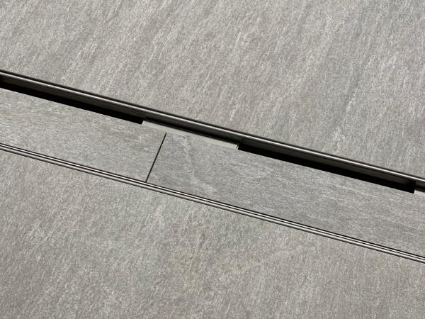 Schlitzrinne, Chromstahl, 100x40 für Steineinlage für die einfache Einlage des umgebenden Belags.