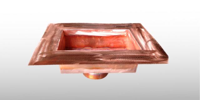 Dachwasserablauf, eckig aus Kupfer