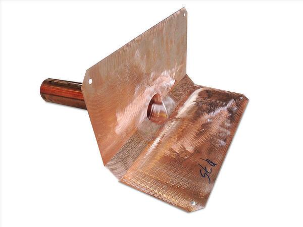 Speier, Kupfer, mit Bitumenkeil 2x 45°, runder Stutzen